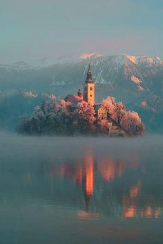 Hoy en paisajes con encanto…..Lago Bled, Eslovenia