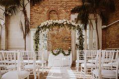urban wedding Vienna, Austria, wedding ceremony, palmhouse Burggarten, white & gold Photo: Patrick Langwallner