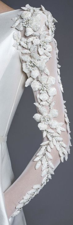 20 Ideas For Fashion Winter 2017 Wedding Dresses Couture Details, Fashion Details, Fashion Design, Embroidery Dress, Beaded Embroidery, White Embroidery, Bridal Gowns, Wedding Dresses, Lesage