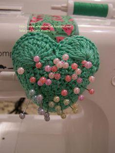 Adoro Crochê, Costura, Artesanato, Fotografia, Culinária, Jardinagem..♥ ♥ ♥: ALFINETEIRO PARA MÁQUINA DE COSTURA