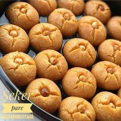 Image may contain: food Cream Puff Recipe, Turkish Sweets, Arabic Dessert, Breakfast Items, Turkish Recipes, Artisan Bread, Bread Baking, Sorbet, Dessert Recipes
