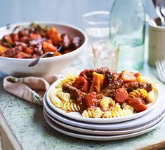 Slow cooker sausage casserole You can use your favourite type of sausages to make this family-friendly slow cooker casserole. Serve it over pasta, in baked potatoes or with bread Bbc Good Food Recipes, Healthy Crockpot Recipes, Slow Cooker Recipes, Healthy Snacks, Crockpot Recipes Mexican, Beef Recipes, Cooking Recipes, Slow Cooking, Family Recipes