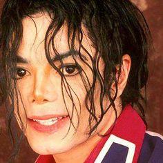 Love his curls......