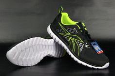 Universelle #sportliche #Schuhe eignet sich ideal für das #Lauf, #Trenning als auch für den #Alltag. Obermaterial aus synthetischem Netz das Netz eine #Anpassung an den #Fuß und eine optimale Belüftung sorgt. Reduzierte Kragen wirkt sich mehr Bewegungsfreiheit #Füße. #Schuhsohle ist aus #Schaumstoff 3D Ultralite bietet Schuhe geringes Gewicht und eine hervorragende #Dämpfung.