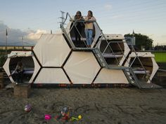 A Honeycomb Hotel Made for Music Festivals | B-And-Bee is a honeycomb hotel intended for use at musical festivals.  Achilles Design  | WIRED.com
