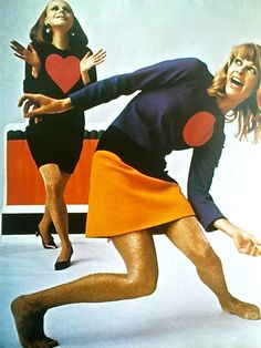 Yves Saint Laurent's Pop Art collection, Photograph by Jean-Claude Sauer. Image scanned by Sweet Jane. Pop Art Fashion, 60s And 70s Fashion, Retro Fashion, Vintage Fashion, Vintage Style, Ysl, Yves Saint Laurent, Beatles, Casual Chic