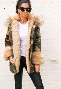b78cde0888f 14 Best parka donna images   Jacket, Fur jacket, Mr & mrs italy