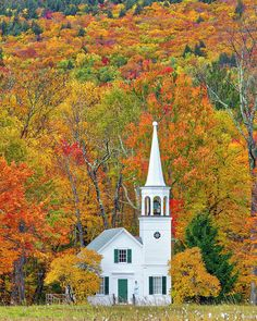 Old Country Churches, Old Churches, Abandoned Churches, New England Fall Foliage, New England Travel, New England Style, Autumn Scenery, White Mountains, Fall Pictures