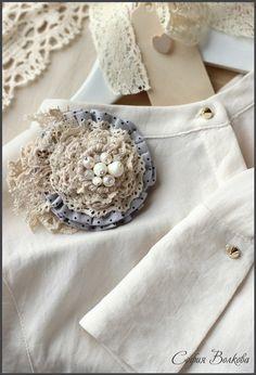 Vintage lace & pearl flower, shabby yet feminine.