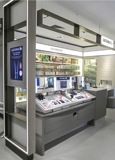 Liz Earle Make-up Shop in Shop 01 by ARNO Group