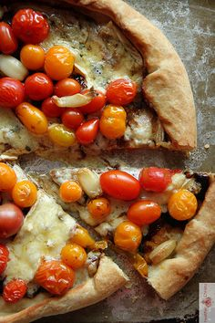 Blue Cheese, Balsamic & Cherry Tomato Pizza <3