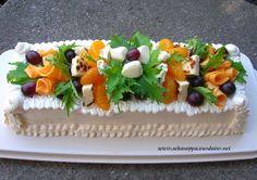 Juustoinen kasvisvoileipäkakku