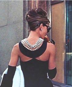 Musa Audrey, vestido clássico BONEQUINHA DE LUXO.