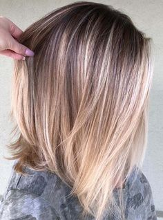 39 Beautiful Balayage Lob Hair Looks for We have rounded up here the most beautiful ideas of hair colors for long bob hairstyles to use in If you have lob styles and you are searching for best hair colors and highlights to make them sexy and c Balayage Lob, Balayage Straight, Hair Color Balayage, Balayage Long Bob, Bronde Lob, Long Bob Ombre, Long Lob, Highlights For Straight Hair, Caramel Balayage Bob