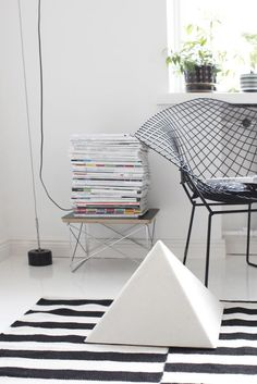 Silla Bertoia Diamond de Harry Bertoia #hogar #decoración #home #deco #sillas #hogardiez www.hogardiez.com