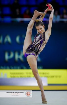 Gymnastics Photos, Gymnastics Photography, Rhythmic Gymnastics, Sports Celebrities, Extreme Sports, Sexy Body, Flexibility, Kicks, Skater Girls