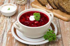 Sopa Borsch: Verduras, remolacha roja, papas y col. Jewish Recipes, Russian Recipes, Russian Foods, Easy Soup Recipes, Healthy Recipes, Sweet And Sour Soup, Beet Soup, Israeli Food, Sour Cream