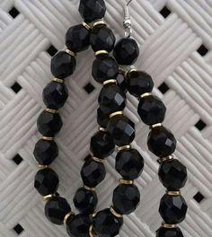 #orecchini #orecchino #faidate #handmade #perline #perlina #gioie #pendenti #pendente #gioiello #gioielli #monachelle #monachella #nero #black