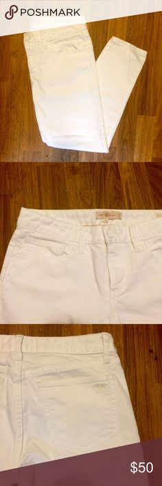 Tory Burch Cropped Demin Like New Tory Burch All White Cropped Skinny Denim* White Hardware* Size 27* Embroidered Tory T on Back Pocket Tory Burch Pants Ankle & Cropped