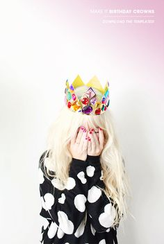Crowns and tiaras are perfect for fancy dress and birthday parties. Check out our list of 40 DIY crown and tiaras that you can create for your next party. Crown Crafts, Diy Crown, Diy Birthday Crown, Birthday Crowns, 30th Birthday, Birthday Hats, Golden Birthday, Birthday Parties, Crown Printable