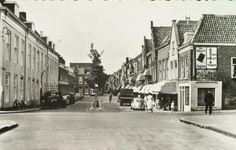 Dordrecht<br />Dordrecht: De Vriesestraat in Dordrecht in de zomer van 1955