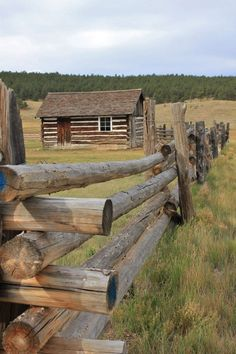 Sharing my obsessive love of rustic cabin life through photos and art I have collected. Log Fence, Rustic Fence, Cedar Fence, Country Fences, Log Home Decorating, Cabins And Cottages, Log Cabins, Cozy Cabin, Garden Fencing