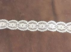 White Round Flower Lace Trim 5/8 inch    2 yards