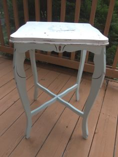 75 REDUCED French Provincial Style Side Table, End Table, Plant Stand, Shabby Chic, Cottage Chic, French Country