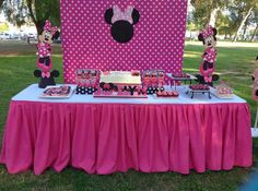 Pink minnie mouse party ideas and shops. Innspirational photos of decorations, cake, favors, dessert table, minnie mouse sweets and treats Minnie Mouse Theme Party, Minnie Mouse Birthday Decorations, Minnie Mouse First Birthday, Mouse Parties, 2nd Birthday, Birthday Ideas, Birthday Games, Mini Mouse Baby Shower, Pink Minnie