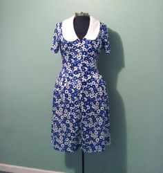 Vintage 60s WomensBlue and White Floral Print by offbeatvintage, $30.00