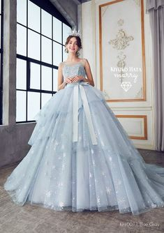 Unique Prom Dresses, Stunning Dresses, Dream Wedding Dresses, Beautiful Gowns, Elegant Dresses, Pretty Dresses, Fancy Gowns, Fairytale Dress, Ball Gown Dresses