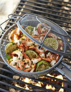 great outdoor non-stick grilling basket http://rstyle.me/n/j8famr9te