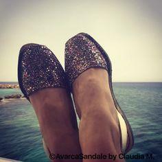 Glitter Auriu multicolor potrivit tinutelor glamour de vara. ;)