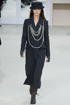 Simply Chanel (Fall 2016 Ready-to-Wear Fashion Show)