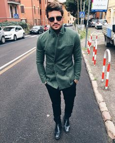 #MarianoDiVaio Mariano Di Vaio: There's no better day to dress up cool than Sunday morning .. #ThanksGod  #GodBlessYouAll