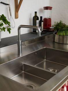 Rostfria diskbänkar till kök i specialmått och i specialutförande.
