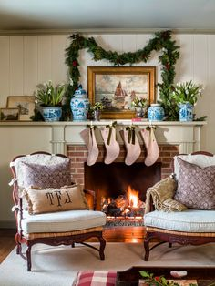 It's that time of the year to bring out all of your holiday decorations such as Christmas garland and make your home festive for this joyous holiday season. Christmas Colors, Christmas Home, White Christmas, Cottage Christmas, Rustic Christmas, Christmas Ideas, Christmas Wreaths, Midwest Living Magazine, Christmas Fireplace Mantels