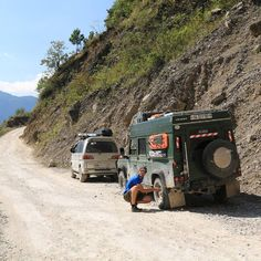 Lowering the tire pressure for the rough road from San Cristóbal Vetapaz to Sacapulas Guatemala  #landrover  #landroverdefender  #mitsubishi  #mitsubishidelica  #offroad  #panamericana  #uyarak  #pacospanam  #offroad  #guatemala by uyarak Lowering the tire pressure for the rough road from San Cristóbal Vetapaz to Sacapulas Guatemala  #landrover  #landroverdefender  #mitsubishi  #mitsubishidelica  #offroad  #panamericana  #uyarak  #pacospanam  #offroad  #guatemala