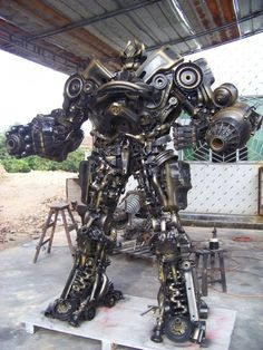 real robots | REAL LIFE HAND MADE STEEL ROBOTS ZOMG!!!!! badass.