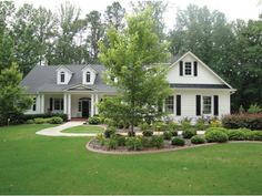 Looks like our old house in Ga but w different floor plan! <3