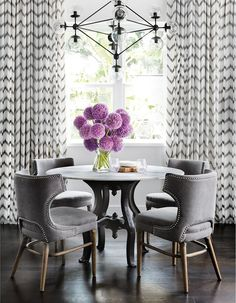 Are you searching for decorating tricks for your small dining room? You've arrived at the ideal place! A small dining room may appear comfy and give a location to enjoy a nice meal together with friends or family. It can… Continue Reading → Luxury Dining Room, Dining Room Design, Farmhouse Dining Room, Dining Room Cozy, Small Dining Room Decor, Home Decor, Dining Room Walls, Room Design, Room Decor