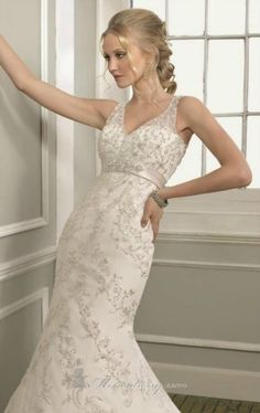 Mori Lee '1655' Bridal Gown.  Size 10/12. £800.  Beautiful detail.