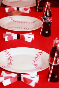 Modern Baseball Party: DIY baseball plates made with permanent marker and baked to set the ink (Coke Bottle Mom) Baseball Party, Softball Party, Baseball Crafts, Sports Party, Baseball Season, Sports Baseball, Baseball Stuff, Baseball Snacks, Baseball Mom