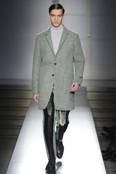 Jil Sander Men's RTW Fall 2014 - Slideshow - Runway, Fashion Week, Fashion Shows, Reviews and Fashion Images - WWD.com