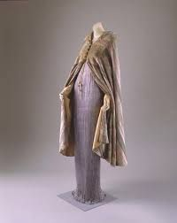 "Dusty pink cape cnad lavender ""Delphos"" via The Costume Institute of the Metropolitan Museum of Art 1930s Fashion, Timeless Fashion, Vintage Fashion, Vintage Outfits, Vintage Dresses, Vintage Clothing, Anna Karenina, Lanvin, Pleated Fabric"