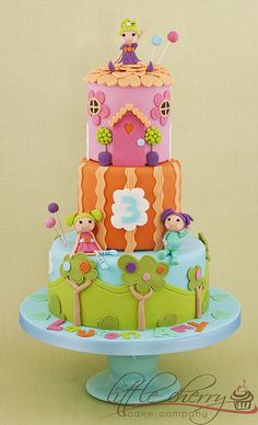 Lalaloopsy Cake by Little Cherry Cake Company, via Flickr
