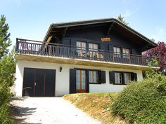 """Beke - Chalet - NENDAZ - Switzerland - 852 CHF """"Beke"""", chalet 95 on 2 levels. Living/dining room with Scandinavian wood stove and cable TV (flat screen), radio. Open kitchen (oven, dishwasher) with bar. On the lower ground floor Kitchen Oven, Open Kitchen, Ski Chalet, The Office, Ground Floor, Flat Screen, Real Estate, Cottage, Flooring"""