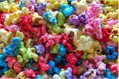 Candyland Colorful popcorn how to Rainbow Popcorn, Jello Popcorn, Gourmet Popcorn, Popcorn Bar, Colorful Popcorn Recipe, Candy Popcorn Recipe Corn Syrup, Homemade Flavored Popcorn, Sweet Popcorn, Popcorn Kernels