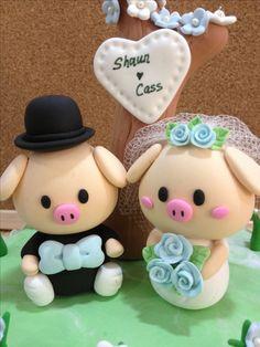 Mr & Mrs Pig wedding cake topper !!