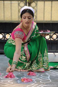 Actress Haripriya in Ee Varsham Sakshiga Movie Beautiful Saree Stills Indian Actress Hot Pics, Bollywood Actress Hot Photos, Beautiful Bollywood Actress, Most Beautiful Indian Actress, Beautiful Girl Indian, Beautiful Saree, Beautiful Actresses, Indian Actresses, Beauty Full Girl